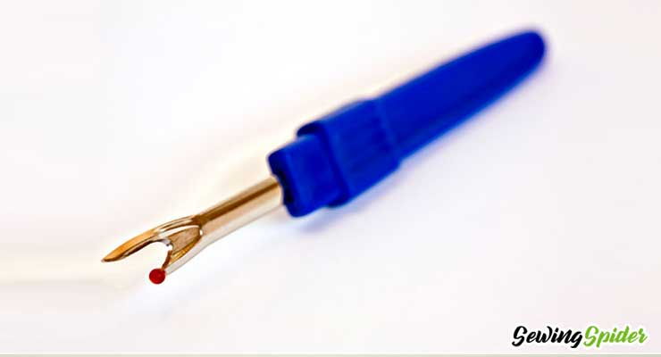 a blue color Seam ripper