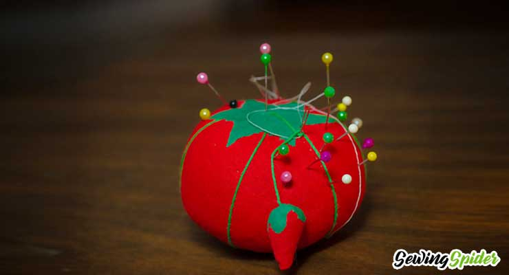 Red-Pin-cushion